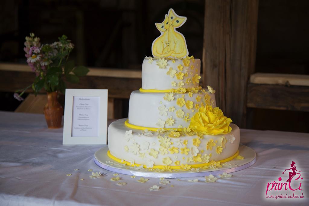 Hochzeitstorte In Gelb Mit Katzen Princi Cakes