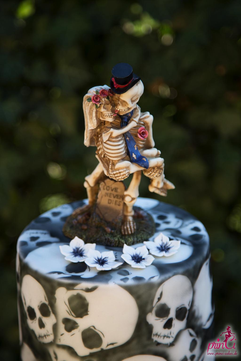 Totenkopf Hochzeitstorte Princi Cakes