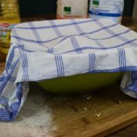 Brot aus Vollkornmehl mit Hefe
