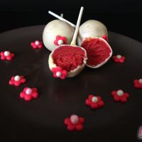 Red Velvet Cakepops