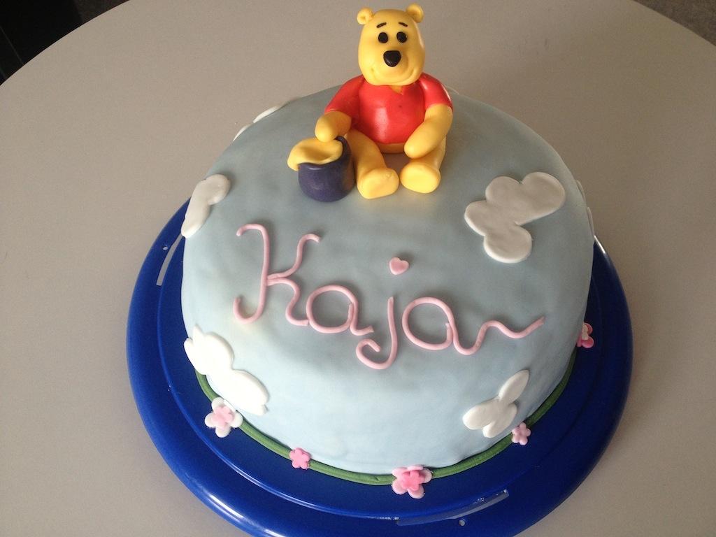 Winnie pooh torte princi cakes for Winnie pooh kuchen deko