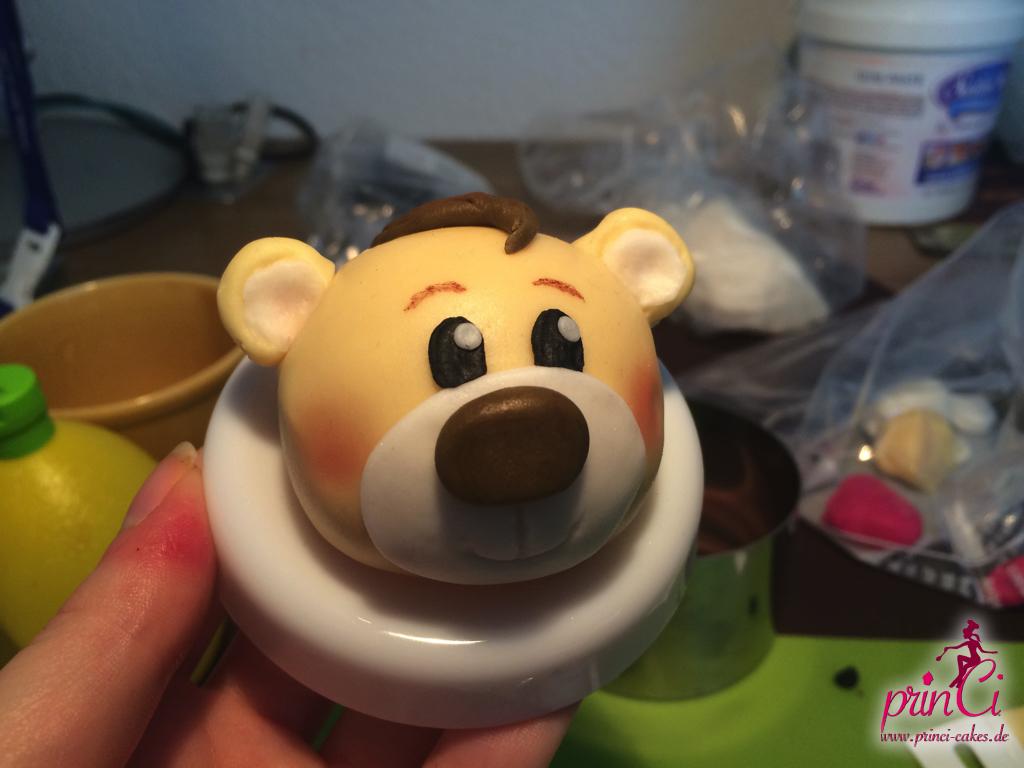 Gumpaste Teddy