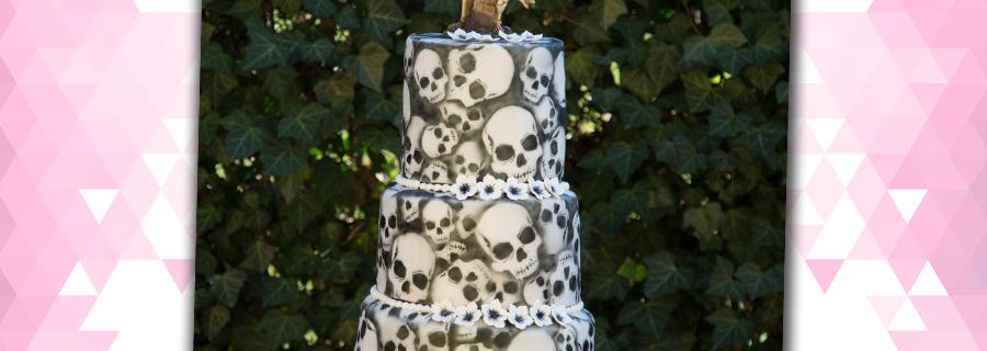 Hochzeitstorte Totenköpfe